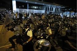 香港立法會清場前 最後關頭拉出4「死士」