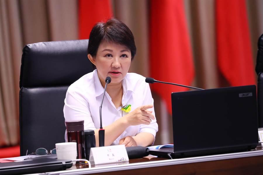 台中市長盧秀燕強調,她是六都出席率最高的首長,因為她深信蘇院長所說的中央地方是「友善夥伴關係」,也獲得蘇揆多次嘉獎,但卻怕「口惠而實不至」。(盧金足攝)