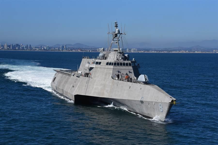 蒙哥馬利號瀕海戰艦於6月26日離開聖地牙哥港前往菲律賓達沃港訪問,並前往新加坡執行部署任務。(圖/美國海軍)