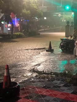 基隆凌晨雨彈轟炸   武崙溪差1公尺淹路面