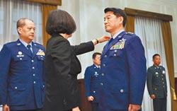 台灣政情 卸任官員管制有爭議-退將管制 朝野意見不一