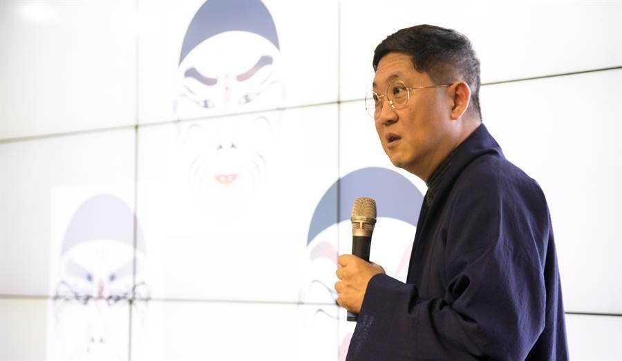 劇作創意大師馮翊綱來到《永慶公益講座》,跟聽眾大聊台灣文學獎劇作家的創意之路。