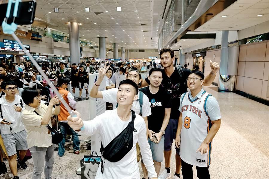 快艇射手賈林納利受邀來台參加國泰三對三籃球賽決賽。(大漢行銷提供)