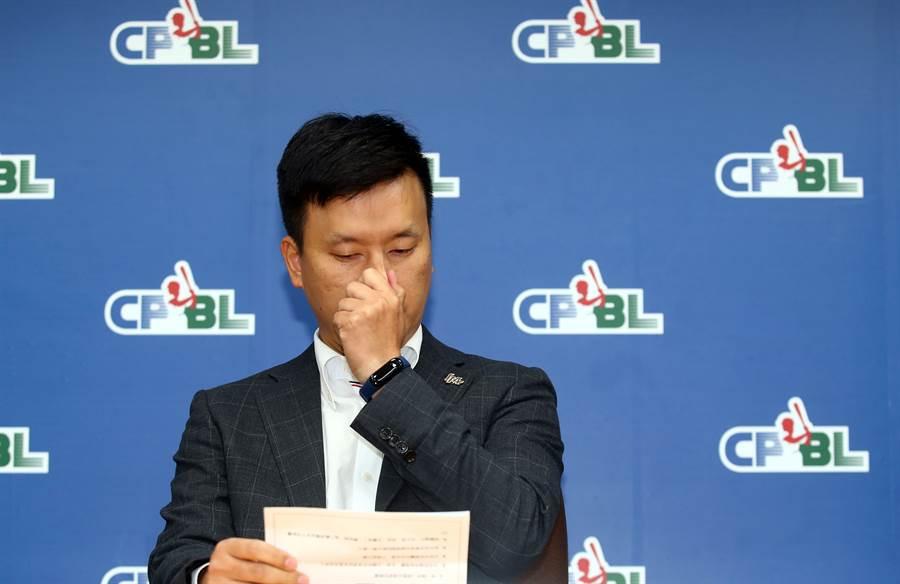 桃猿領隊劉玠廷證實有接觸買家,不過還在收集資料的階段。(資料照/陳信翰攝)