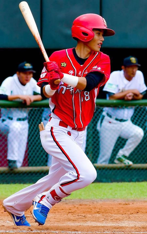 中华职棒选秀, 南华棒球队大满贯六位入选味全龙,图为运动学程一年级内野手张政禹。