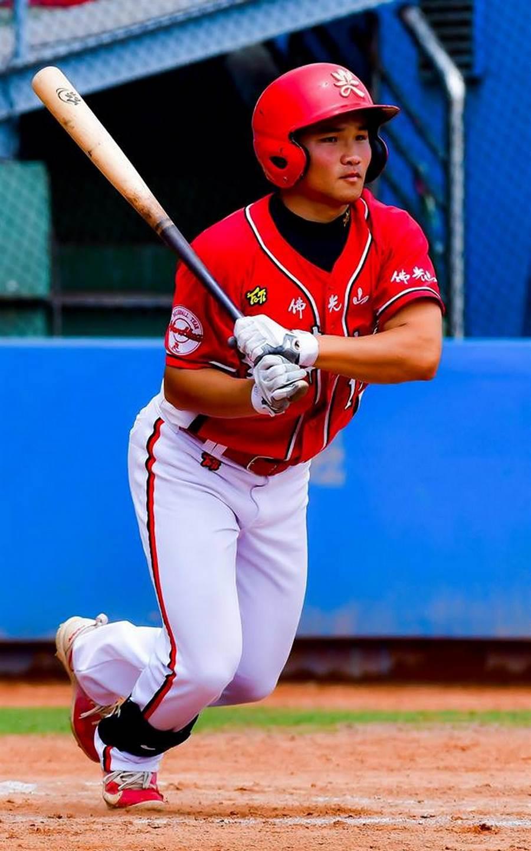 中华职棒选秀, 南华棒球队大满贯六位入选味全龙,图为运动学程一年级外野手林孝程。