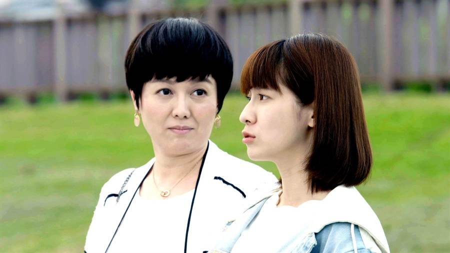 苗可麗與連俞涵在《一千個晚安》被猜測是母女關係。(三立)