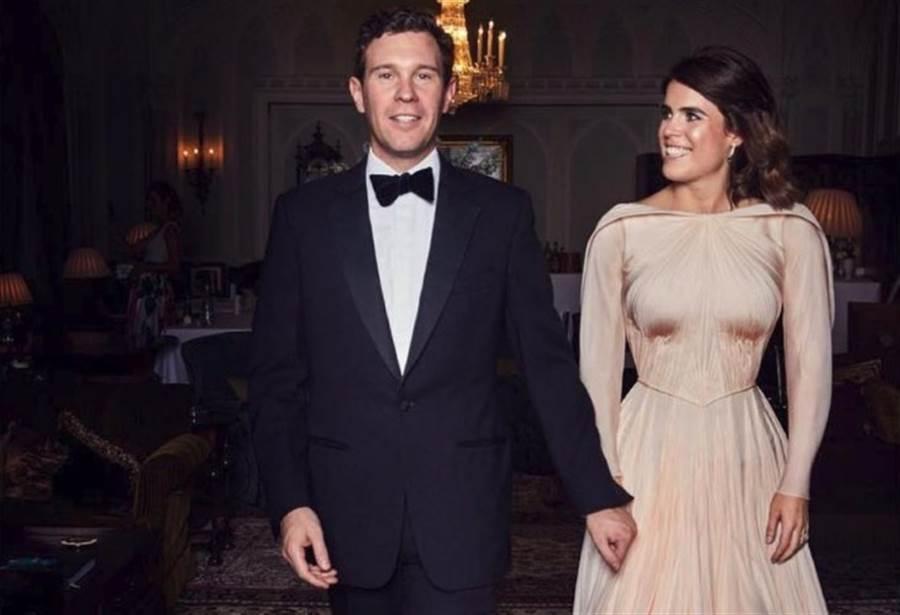 尤金妮打破英國皇室婚禮「一套白紗到底」的傳統,換穿另一套杏桃玫瑰色的長禮服。這套由紐約設計師 Zac Posen所設計,靈感來自電影《捉賊記》葛麗絲凱莉的穿著。圖片來源:Princess Eugenie IG