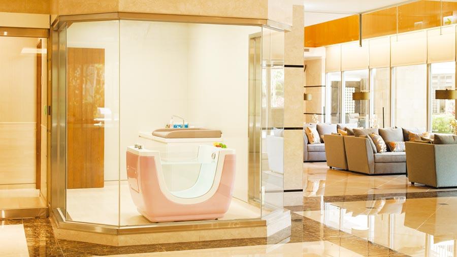 麗寶建設集團的麗馨國際月子中心「淡水麗格產後護理之家」,設有嬰兒獨立泳池SPA室。圖/麗寶建設集團提供