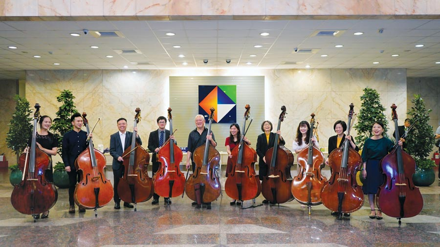 開發金控員工與國家交響樂團大師合奏,讓藝文與員工零距離。圖/開發金控提供