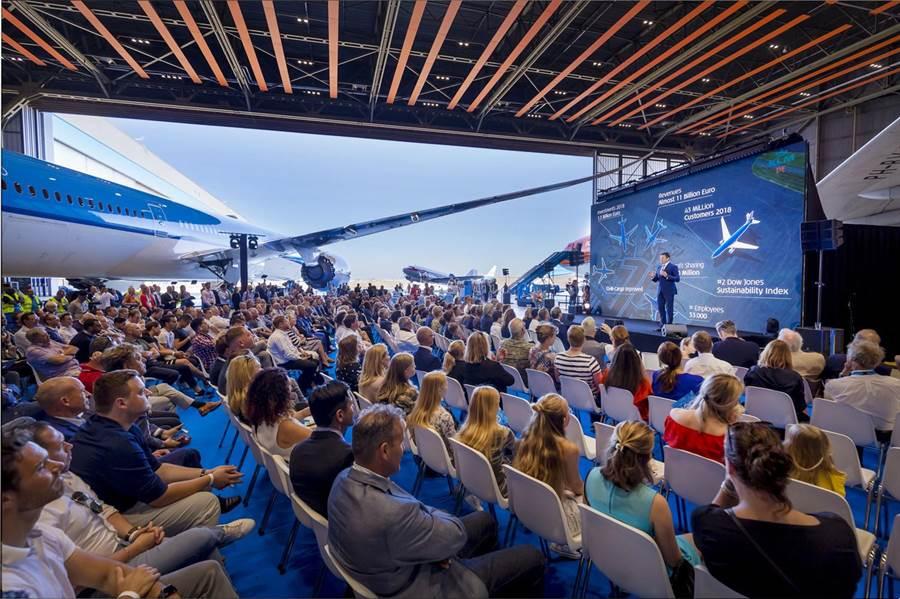 荷航總裁兼CEO何強磊出席活動並致辭。圖:荷航提供