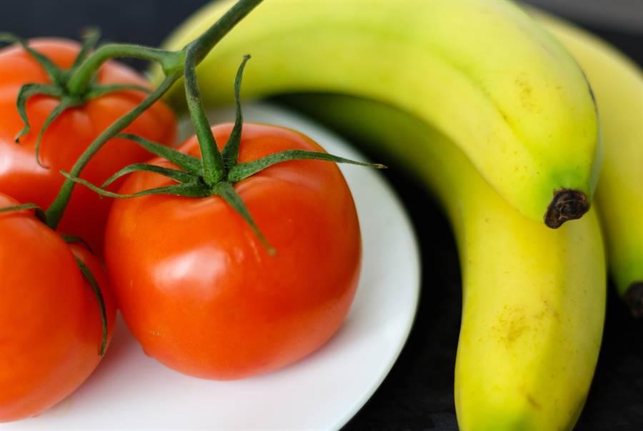 最強燃脂早餐,香蕉、番茄加熱吃更好。(達志影像)