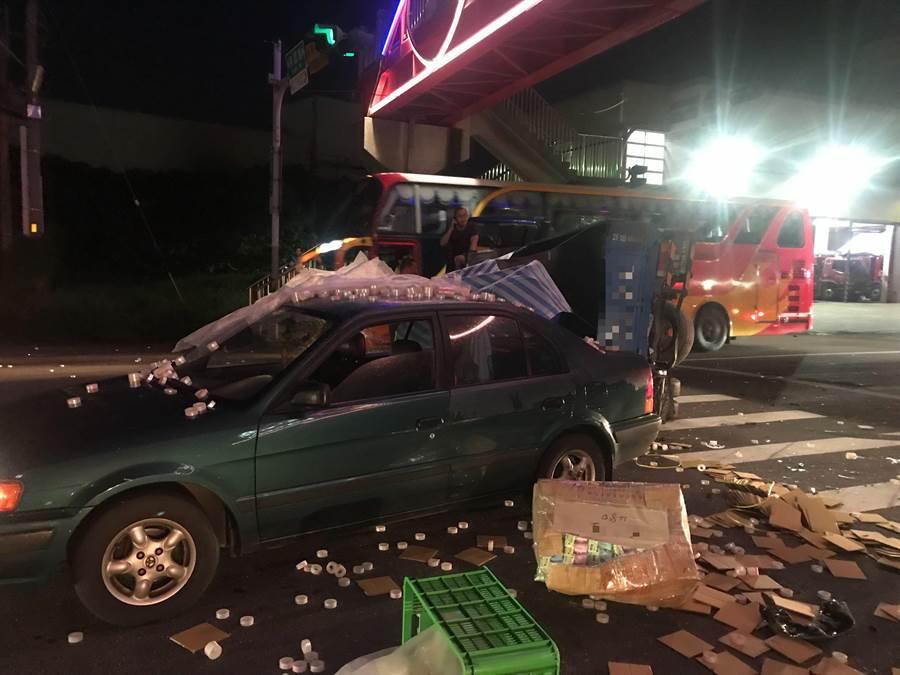 肇事的江姓大貨車駕駛並未酒駕,警方正在調查釐清肇事原因。(謝瓊雲翻攝