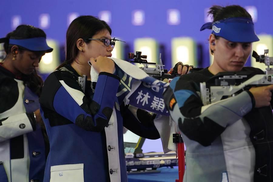 拿坡里世大運女子射擊隊先奪下團體銀牌,緊接著林穎欣又摘下個人賽銅牌。(大專體總提供)