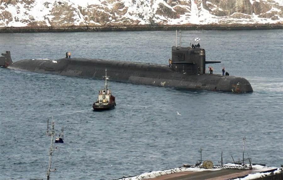 俄羅斯海軍的AS-12深潛器專門用於執行機密任務。(圖/ 推特@ASLuhn)