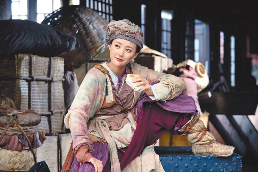 李一桐飾演的黃蓉,角色俏皮、古靈精怪,頗受好評。