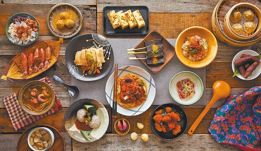 福容麗寶樂園店的田園咖啡廳,匯集全台各地經典小吃推出台灣味美食節,消費還送懷舊明信片1張。(福容大飯店提供)