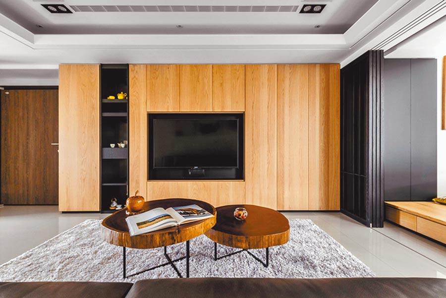 繼今年初摘下「新銳建築師獎」後,「點建築」再以「台中呂宅」榮獲「Muse Design Awards」銀獎。圖/黃繡鳳
