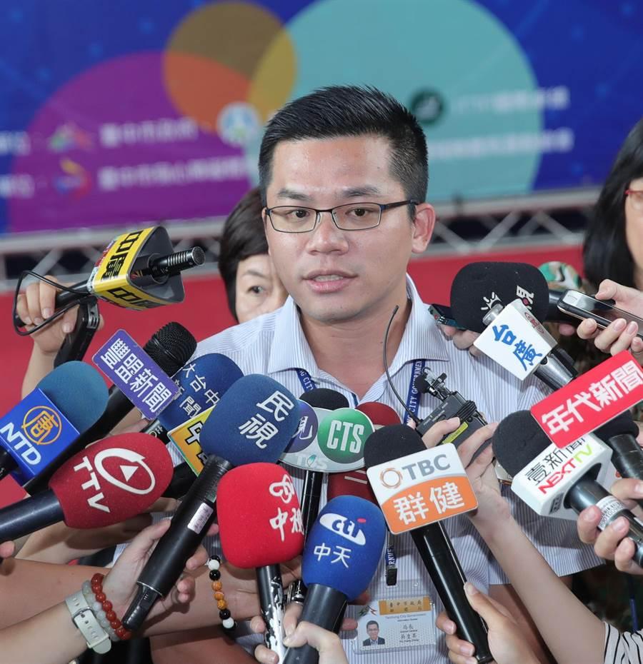 台中市新聞局長吳皇昇表示,市長盧秀燕不出席院會並不是抗議,而是站在台中市民立場,捍衛市民權益。(盧金足攝)