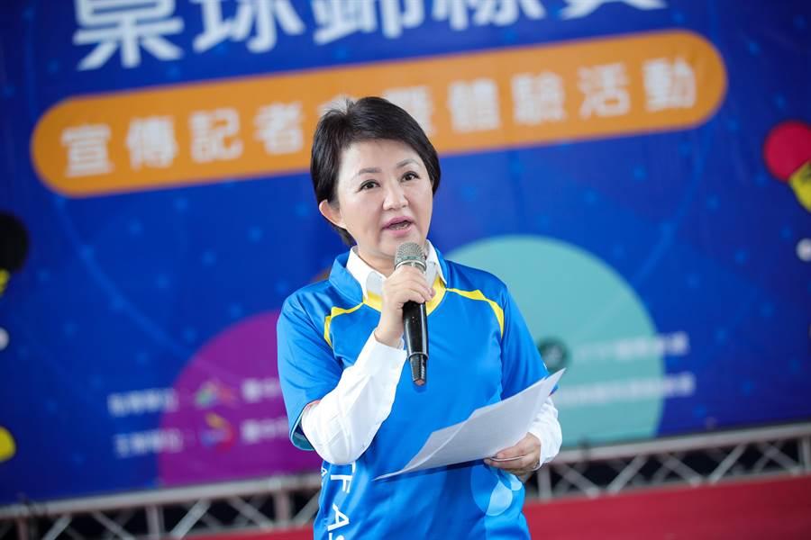 台中市長盧秀燕5日在參加身障桌球體驗活動後,對媒體追問不出席院會,盧以另有行程不多做回應。(盧金足攝)
