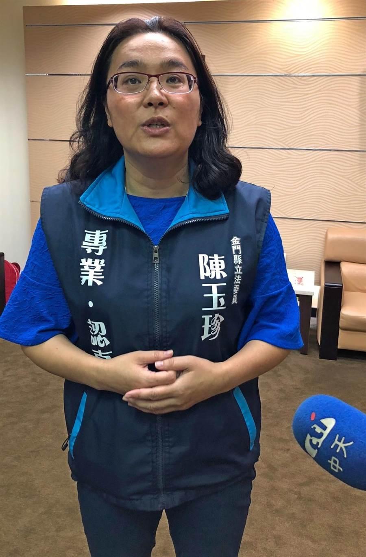 金門立委陳玉珍以專業、認真自我期許,鄉親對她的「百日問政」滿意度高達8成。(李金生攝)