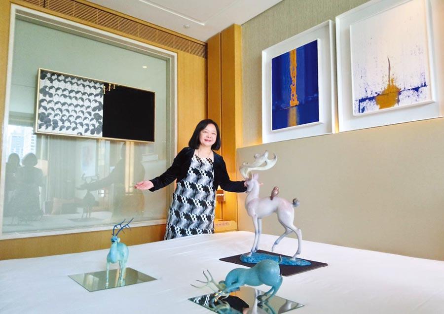 中華民國畫廊協會理事長鍾經新指出,台中藝博會2019年吸引64家畫廊參展。圖/曾麗芳