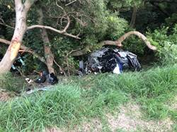 撞中山高護欄車斷兩截 華航機師「卡死」駕駛座