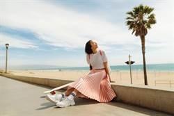 滑板女神高孝周踩CHARLES & KEITH球鞋 演繹甜美運動時尚