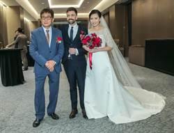 恭喜民族英雄嫁女兒!梁修身33歲漂亮女兒嫁洋老公