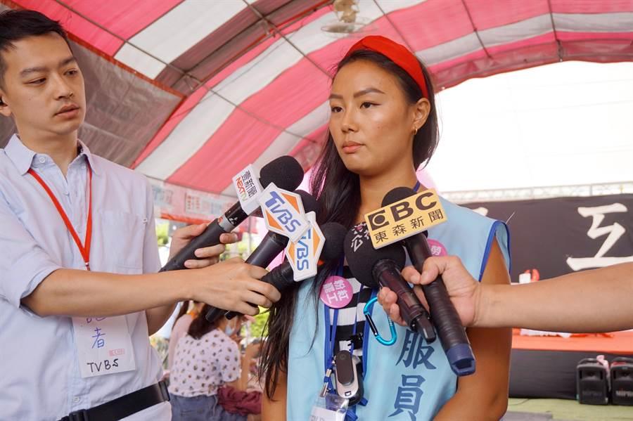 工會代表馮文玉表示,將於9、10日舉行是否繼續罷工的投票。(甘嘉雯攝)