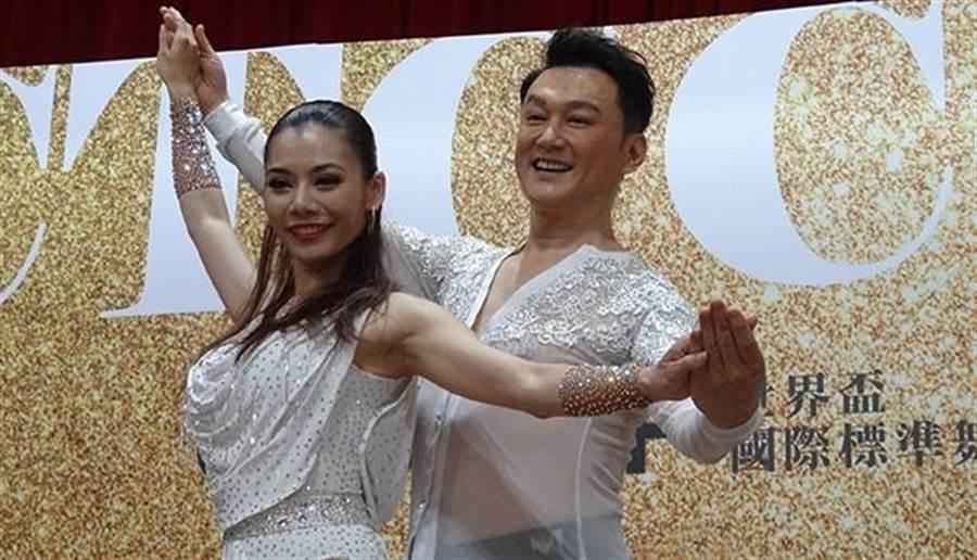 53歲的何篤霖練跳國標舞3個月瘦近10公斤。(圖/梁惠明攝)