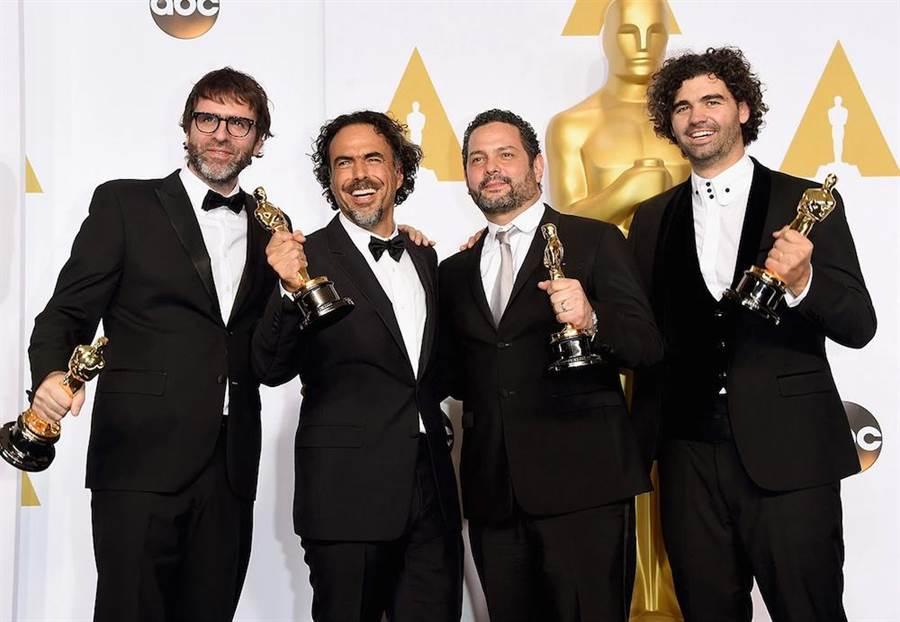 《鳥人》奧斯卡金獎編劇阿曼多波(右1)與尼可拉斯賈柯伯尼(左1)再次合作。(東昊提供)