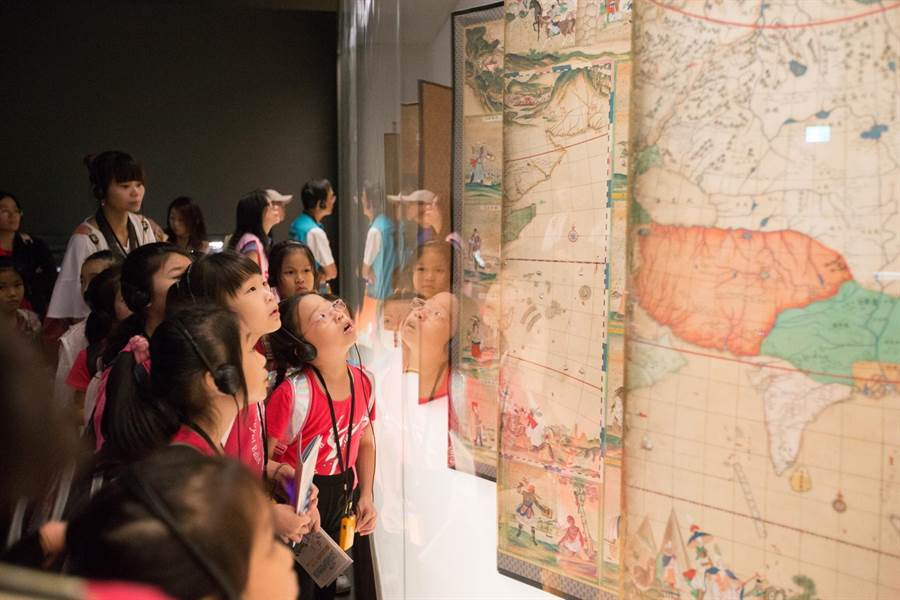 故宮南院推出「夏日親子藝術月-博物館大航家」系列活動,將優質展覽以五感體驗、寓教於樂方式,介紹給小朋友。(故宮南院提供)