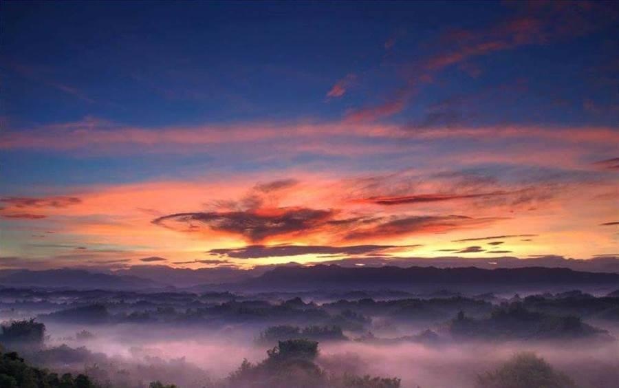 左鎮二寮有全台最低海拔的日出雲海,是台灣3大必拍日出景點。(周銀王提供)