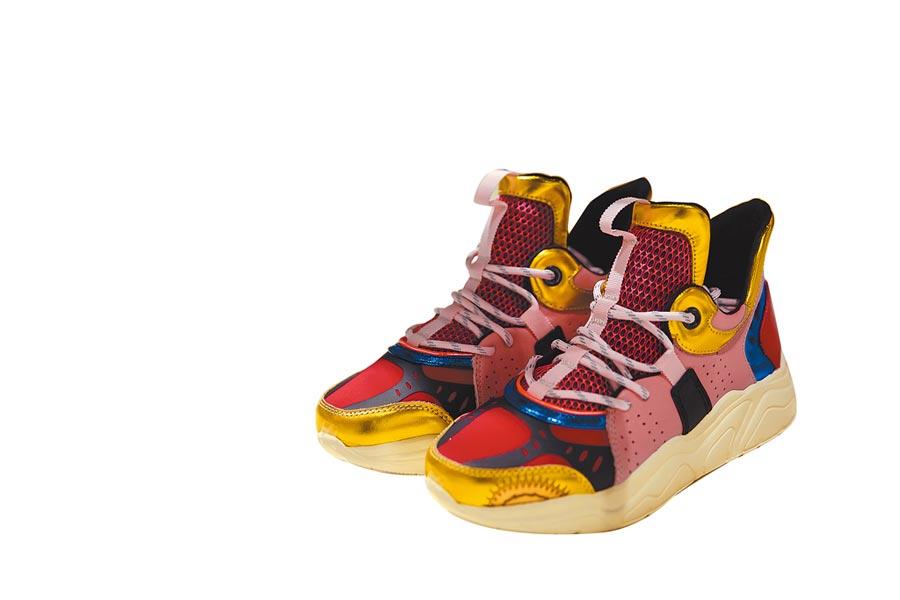 SHIATZY CHEN春夏運動老爹鞋,1萬5800元。(SHIATZY CHEN提供)
