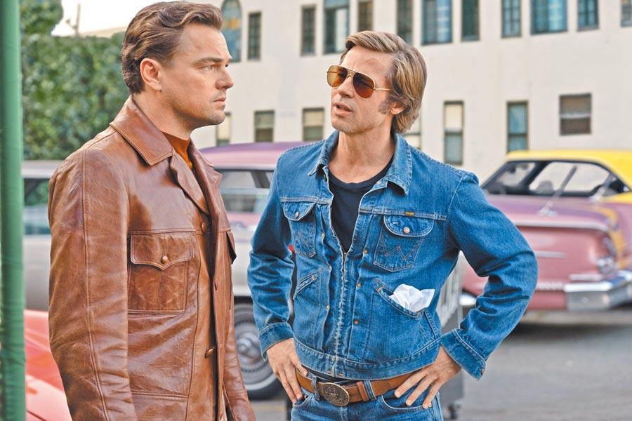 李奧納多狄卡皮歐(左)在片中飾演面臨過氣危機的電視明星,布萊德彼特是他的替身。
