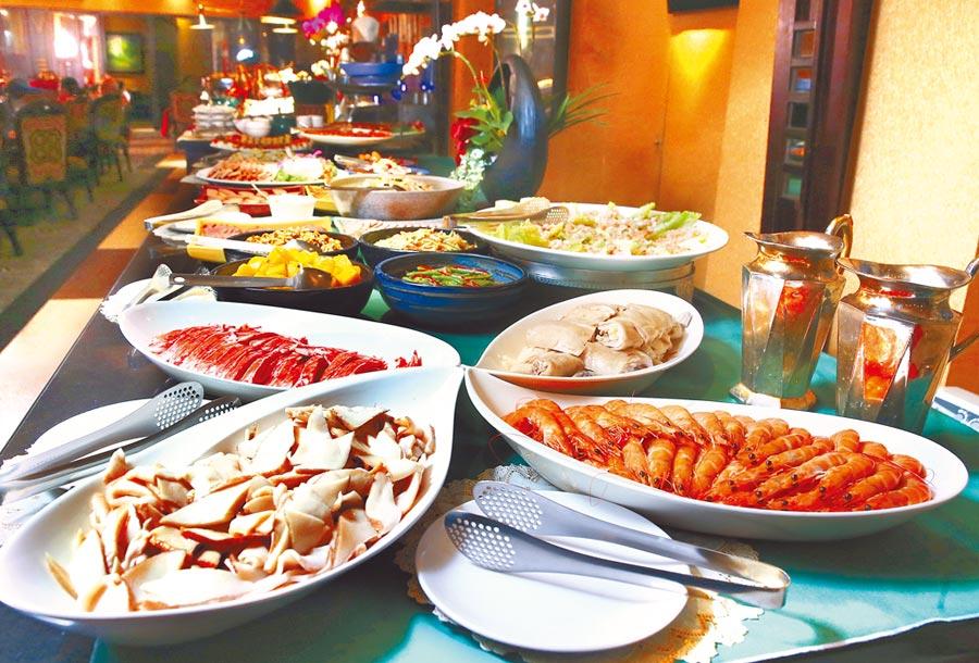 「沾美西餐廳」午間以Buffet模式供餐,樣式數量雖不比大飯店,但卻道道精緻美味,堪稱高CP值。(粘耿豪攝)