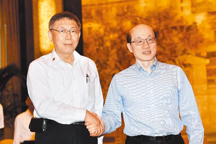 大陸國台辦主任劉結一(右)5日在上海西郊賓館會見台北市長柯文哲。(記者葉文義攝)