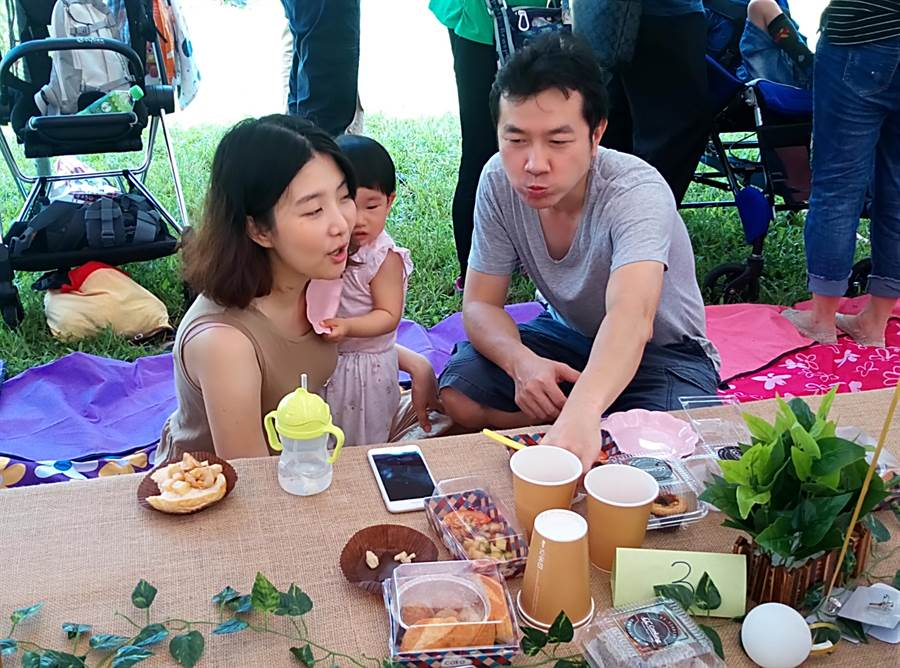 雲林縣古坑鄉竹筍節音樂野餐會,吸引許全家總動員。(許素惠攝)