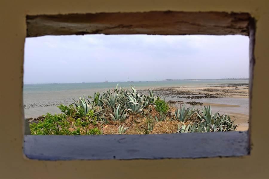 建功嶼原為陸軍W038據點,扼守浯江溪口並可瞭望大、小金門之間海面。(李金生攝)