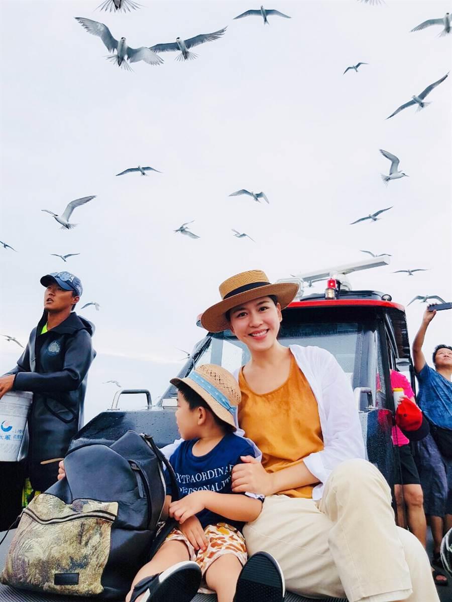 二度造訪花火節的張家慧,這次將旅程交由在澎湖開民宿的朋友安排。(圖/周子娛樂提供)