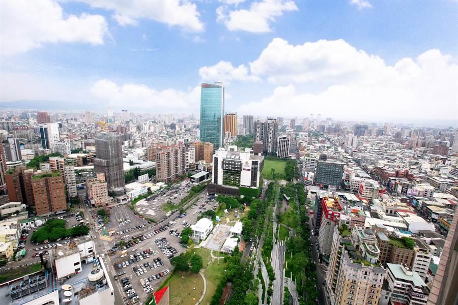 草悟道商圈特區最近推出的「忠泰老佛爺」與「勤美之森」兩大豪宅案,成為受矚目指標案。(盧金足攝)