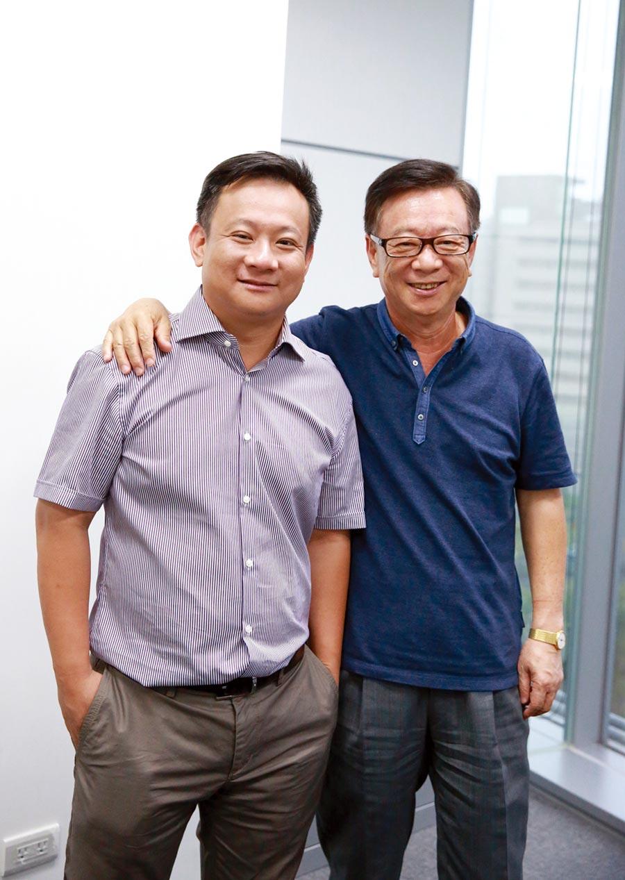 聯電副董事長宣明智(右)肯定兒子宣昶有(左)的能力,最近將宣捷細胞生物製藥董事長寶座交棒給他。圖/本人提供