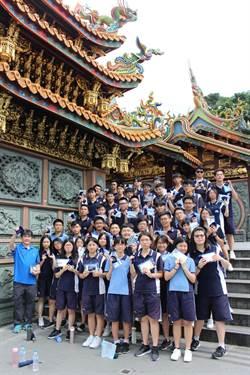 竹林高三學生 到烘爐地福德宮為學測祈福