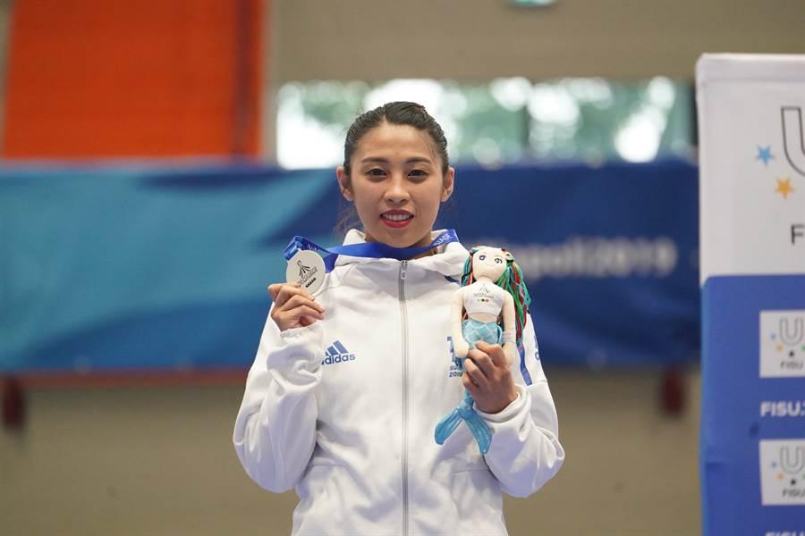 蘇佳恩在2019世大運跆拳道品勢女單獲得銀牌。(大專體總提供)