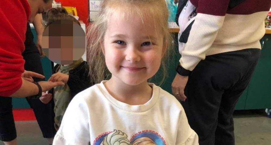 4歲蘿拉活潑健康,一點都看不出罹癌,幸好她媽媽細心發現異狀。(照片來源:gofundme網站)