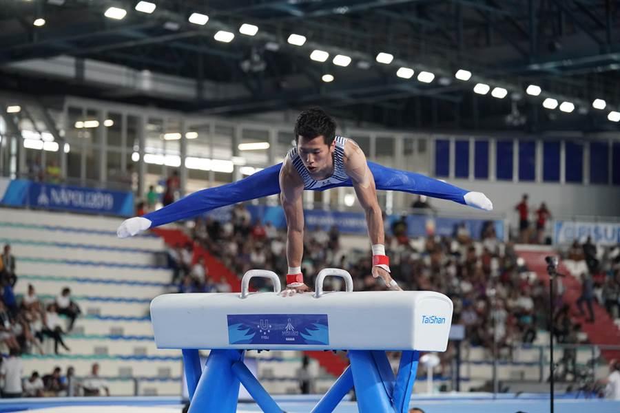 李智凱在2019世大運體操鞍馬摘金,順利完成2連霸。(大專體總提供)