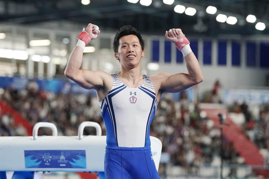 李智凱完成動作後,為自己的表現振臂歡呼。(大專體總提供)