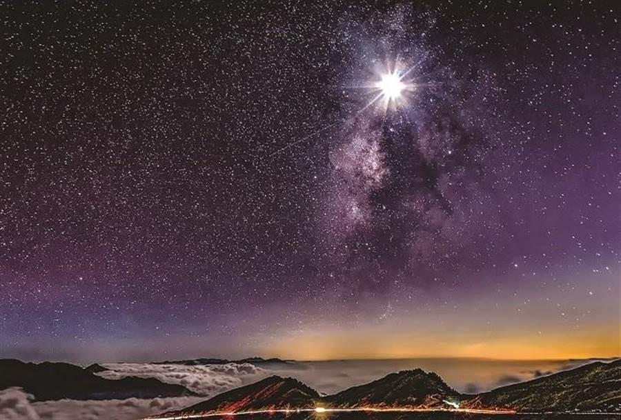 ▲一直備受天文迷喜愛與推崇的合歡山銀河。(讀者提供)