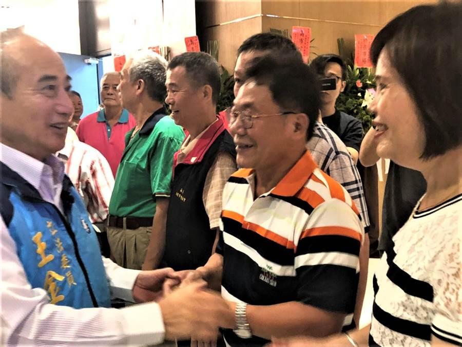 總統擬參選人王金平8日下午前往萬華區拜會北市市場代表。(吳堂靖攝)